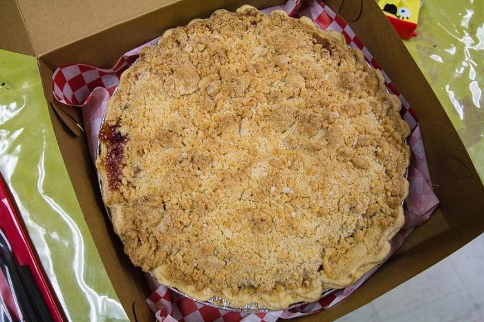 pear cranberry pie - 1